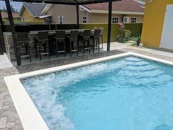 Image de Zade's Vacation Home with Spa Pool & BBQ à Ocho Rios