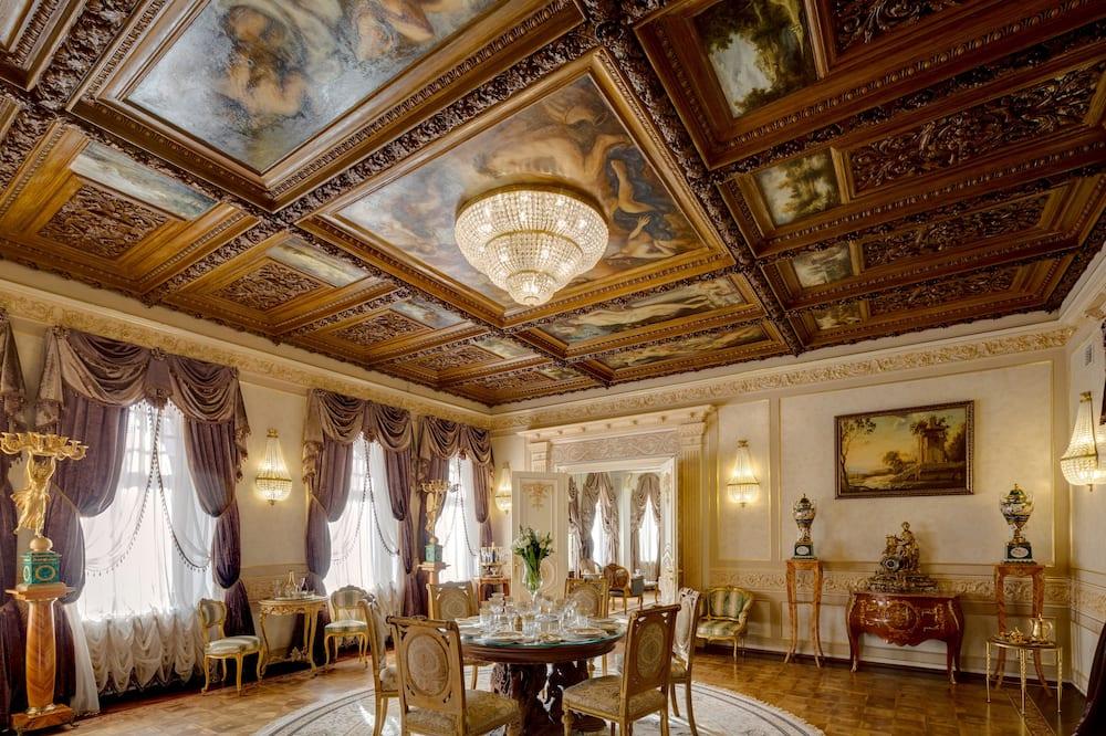 Elnöki apartman, 2 hálószobával, kandalló, kilátással a városra - Vendégszoba