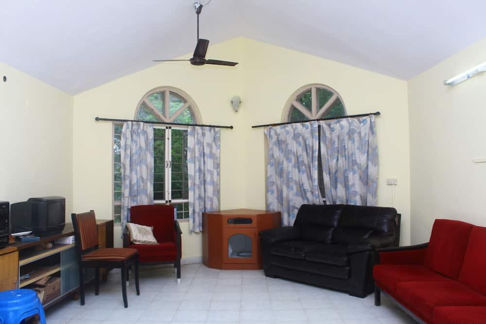 Standard House, 1 Double Bed, Non Smoking, Garden View - Living Area