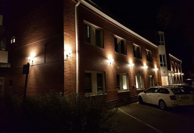Apartments Uppsala Portalgatan, Uppsala, Fassade der Unterkunft – Abend/Nacht