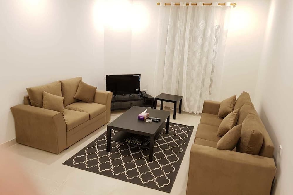 Apartment, 2 Bedrooms, City View - Living Room