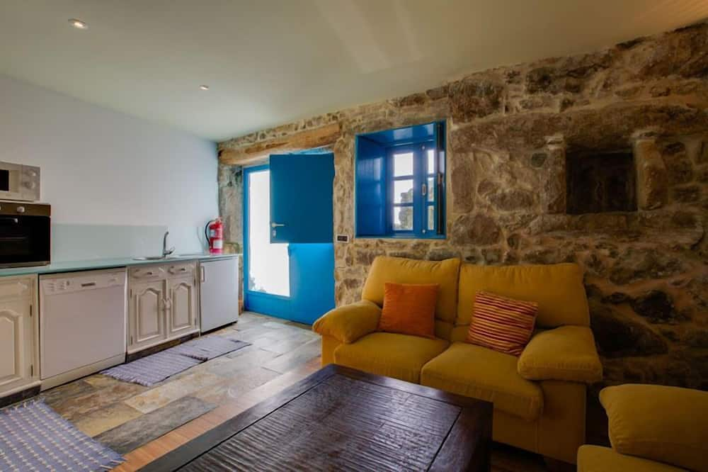 apartman, 2 hálószobával, kilátással a hegyre, hegy felőli - Nappali