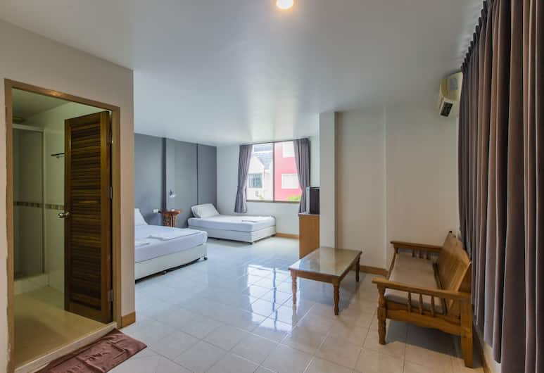 Chongko Guesthouse, Patong, Triple Room , Guest Room
