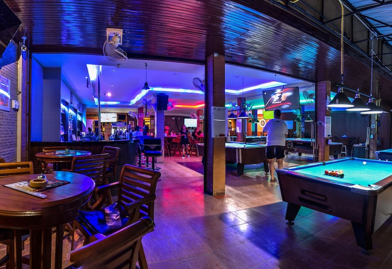 Jomtien Beach Pool House, Pattaya, Sports Bar
