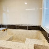 Dvojlôžková izba, vaňa - Kúpeľňa