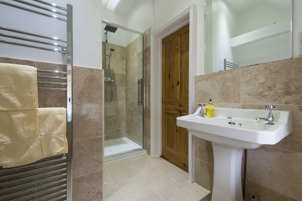 Superior Double Room (Bird) - Bathroom