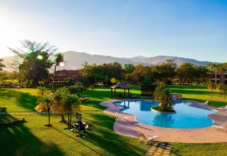 Grand Caporal Hotel, Chiquimula, Pool
