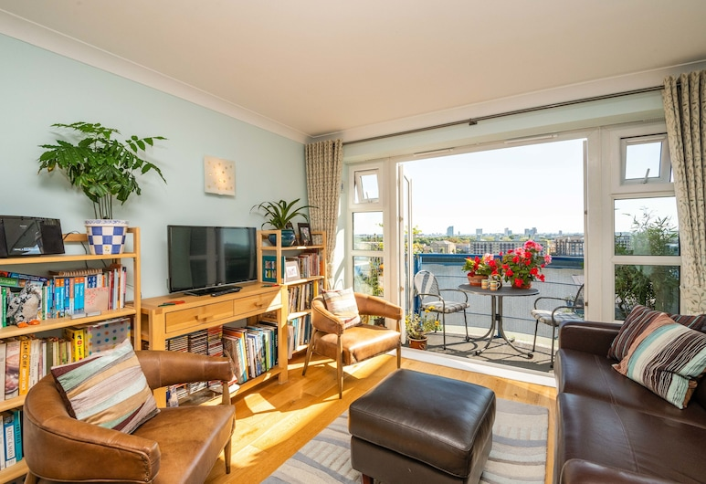 Delightful Wapping Home with Stunning River Views, London