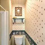 Tradičný dom, viacero postelí, bezbariérová izba, nefajčiarska izba - Kúpeľňa