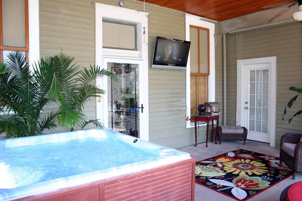 Room 2 - Terrace/Patio