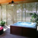 Room 2 - Private spa tub