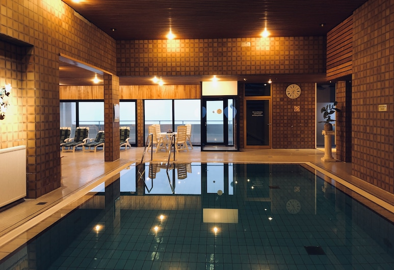 Very Best Location! In Columbus Center Located Apartment Overlooking the Weser, Bremerhaven, Pool