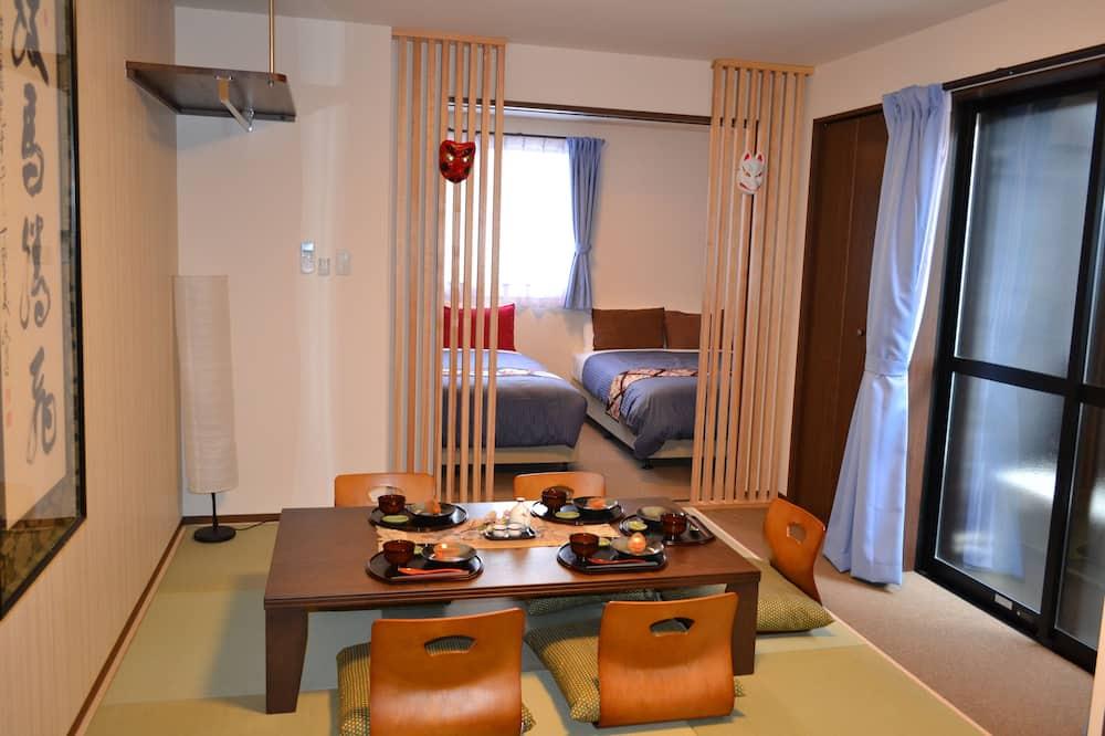 Family külaliskorter, Voodeid on mitu, suitsetamine keelatud, köögiga (Superior) - Einetamisala toas