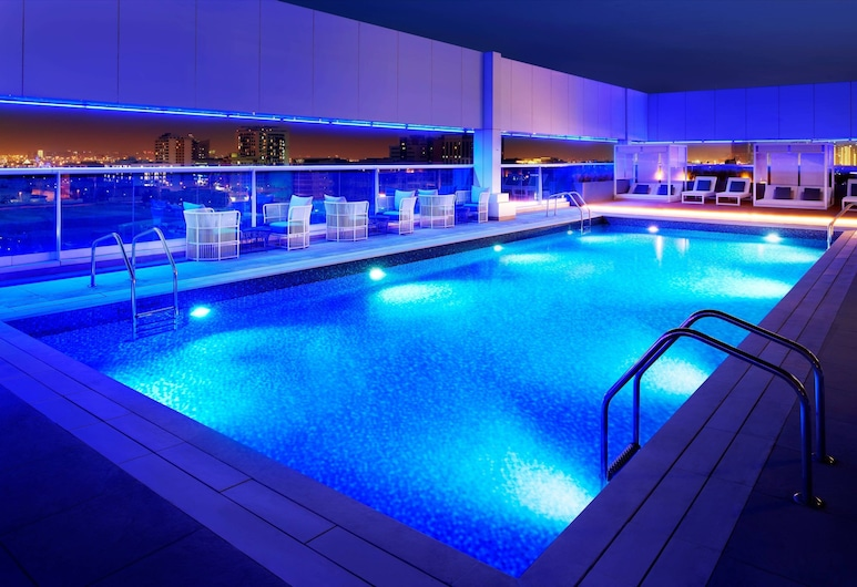 杜拜阿爾巴夏機場萬怡飯店, 杜拜, 游泳池
