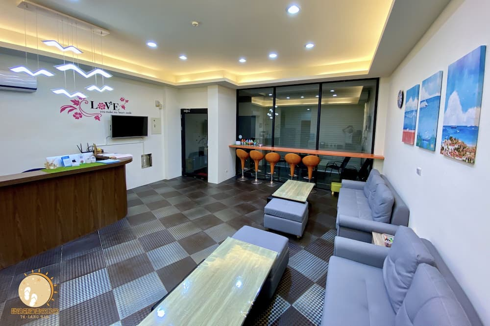 Comfort Room, Berbilang Katil, Non Smoking - Ruang Tamu