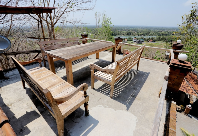 Watu Lumbung Culture Resort, Parangtritis