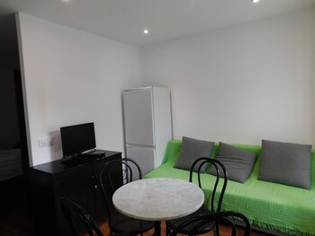 Castelldefels bölgesindeki Studio in Castelldefels, With Wonderful City View, Furnished Garden and Wifi - 100 m From the Beach resmi
