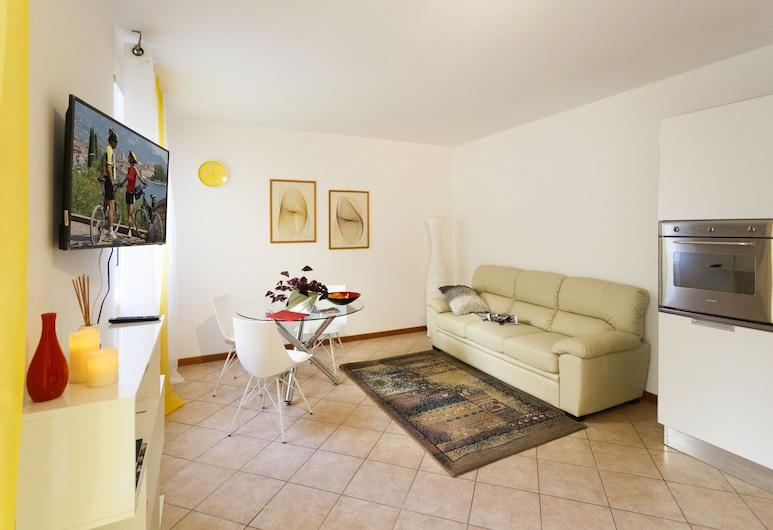 Lovers Retreat, Riva del Garda, Apartment, 1 Bedroom, Living Area
