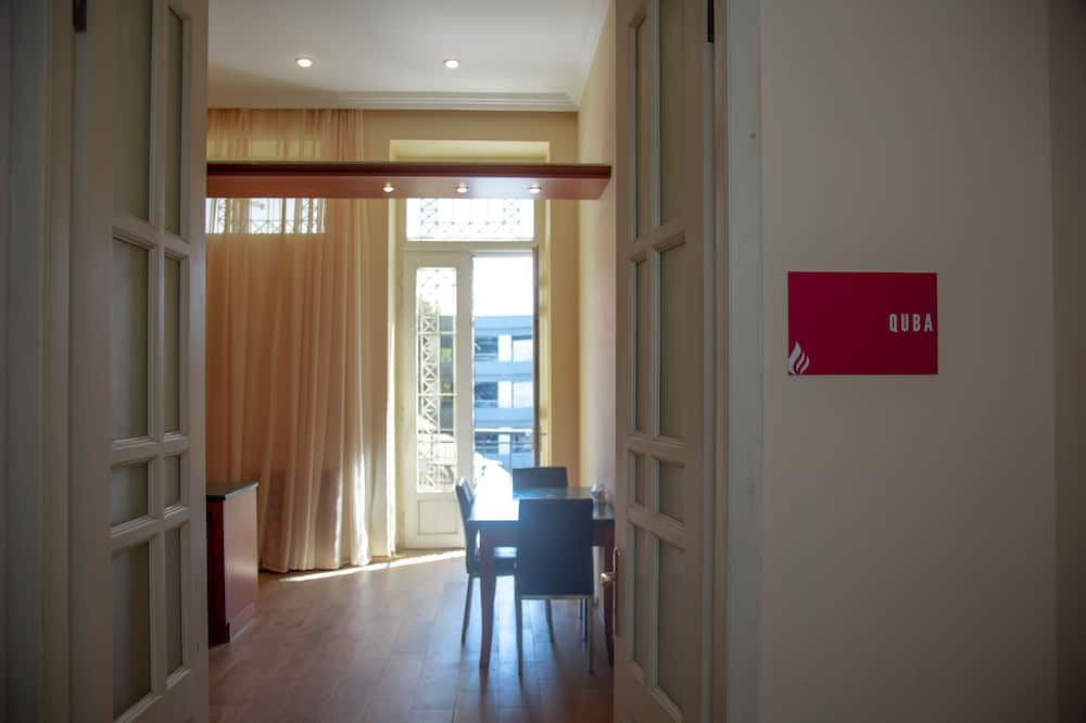 Basic zajednička spavaonica, samo za muškarce (Bed in 8-Bed Dormitory) - Soba za goste