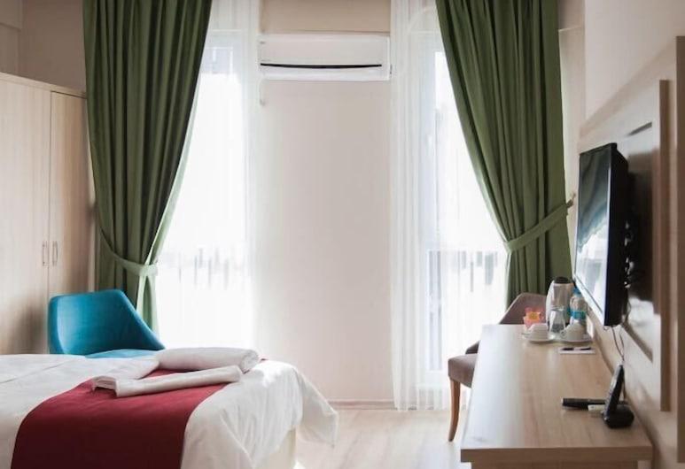 薩姆森歐斯曼里飯店, 山松, 標準三人房, 客房