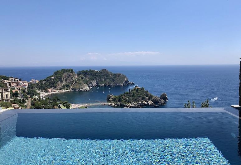 อิโซลาเบลลา อินฟินิตี้ สวีทส์, Taormina, ลักซ์ชัวรี่อพาร์ทเมนท์, สระว่ายน้ำส่วนตัว, สระส่วนตัว