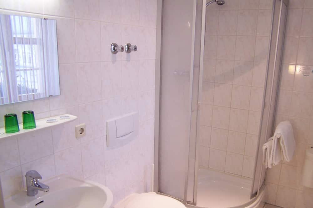 Habitación triple, 3 camas individuales - Baño