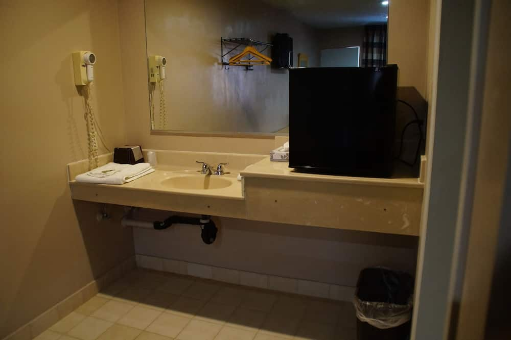 Habitación individual básica, 1 cama de matrimonio, no fumadores - Cuarto de baño