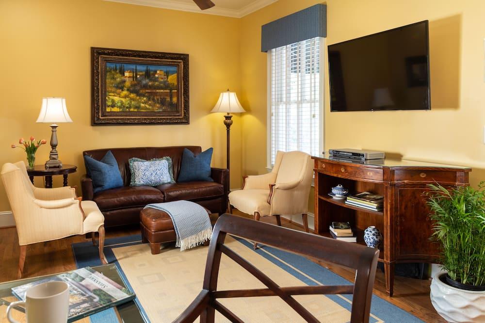 Honeymoon Cottage, 1 Bedroom, Kitchen (Pet Friendly) - Living Room