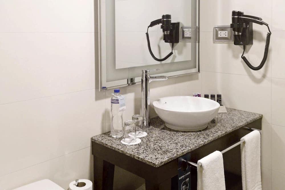 ห้องซูพีเรีย, เตียงควีนไซส์ 1 เตียง - ห้องน้ำ