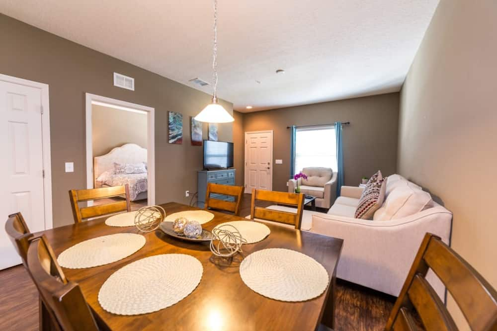 Townhome, 3 Bedrooms - In-Room Dining