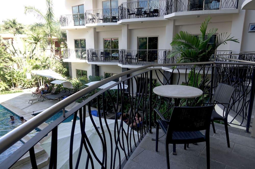 Signature Ultra Luxury 1BR W/Kitchen & Balconies - Pemandangan Balkoni
