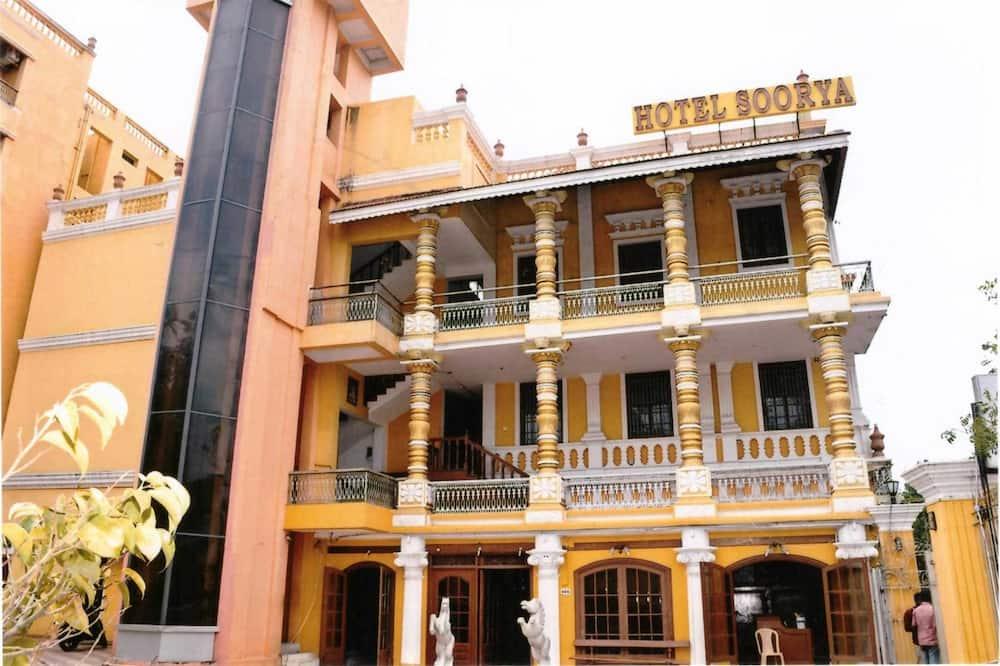 StayApart - Soorya Heritage Inn