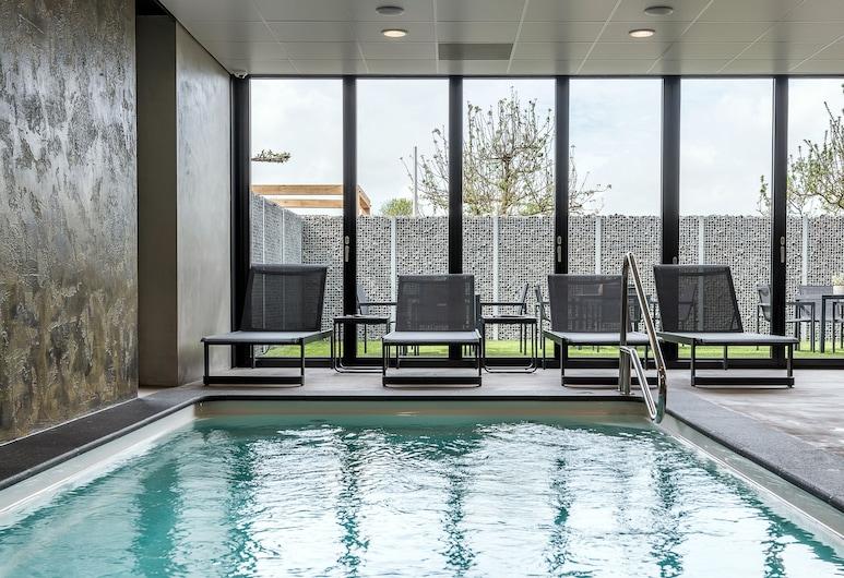 โรงแรมฟรุทพาร์คแอนด์สปา, Ochten, สระว่ายน้ำ