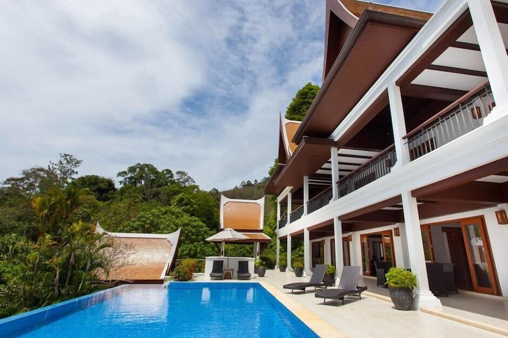 3-Bedroom with Private Pool - Privatpool