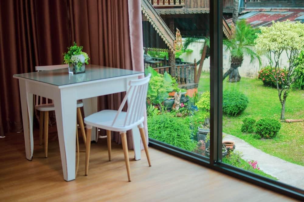 Junior Room - Garden View