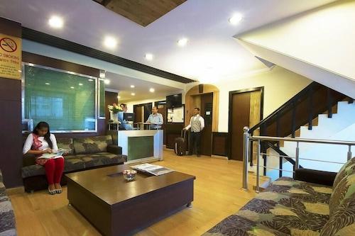 白屋飯店/