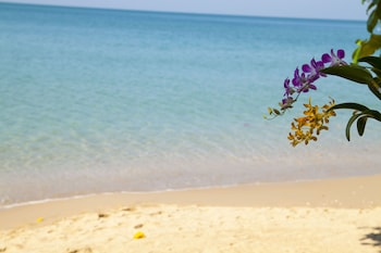 Picture of Ban Na White Sand Beach in Ko Chang