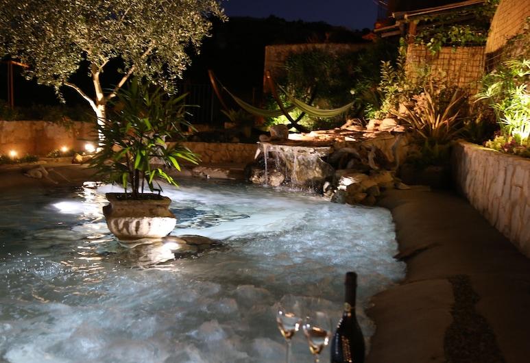 La Casa del Gelsomino, Ragusa, Piscina natural