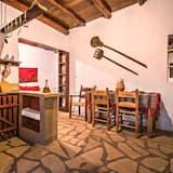 House, 1 Bedroom - Ruang Tamu