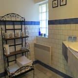 Τρίκλινο Δωμάτιο (Jardin) - Μπάνιο