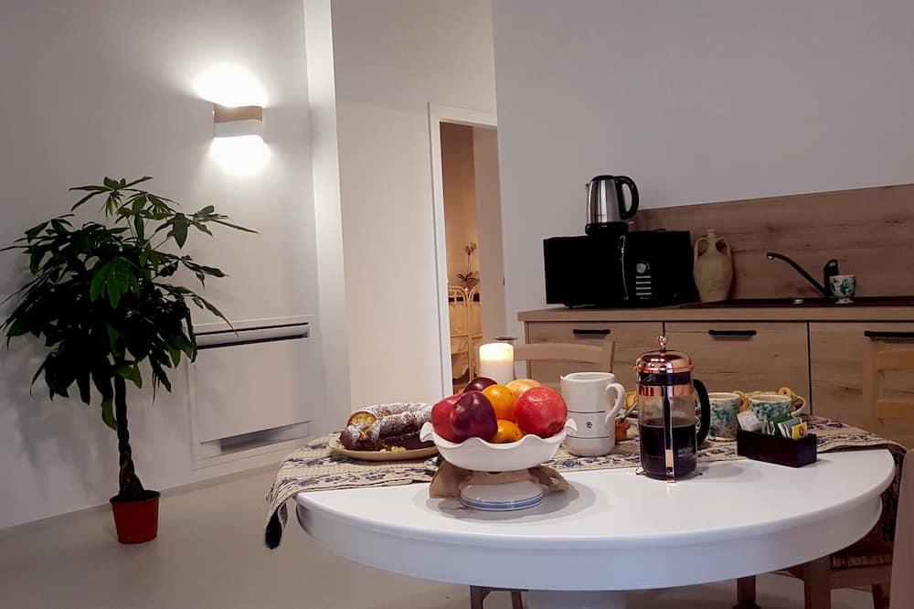 Luksuzni apartman, pogled na grad - Obroci u sobi