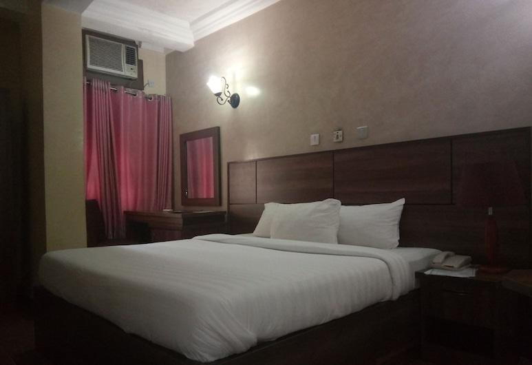 Top Rank Hotel Galaxy Enugu, Enugu, Deluxe Room, 1 Queen Bed, Non Smoking, Guest Room