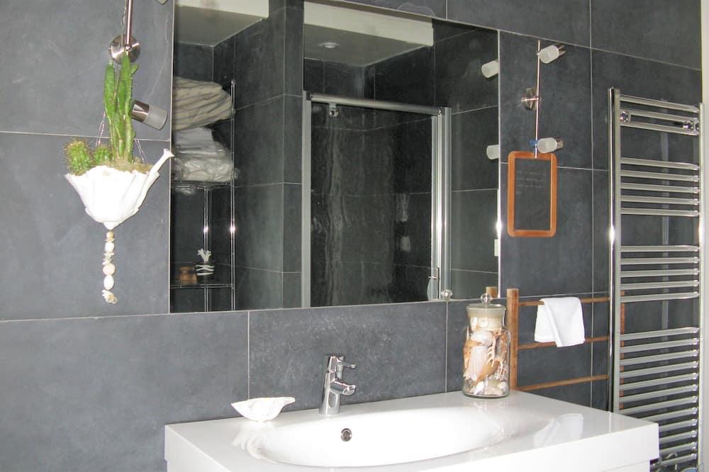 Phòng đôi, 1 giường đôi, Không hút thuốc - Chậu rửa trong phòng tắm