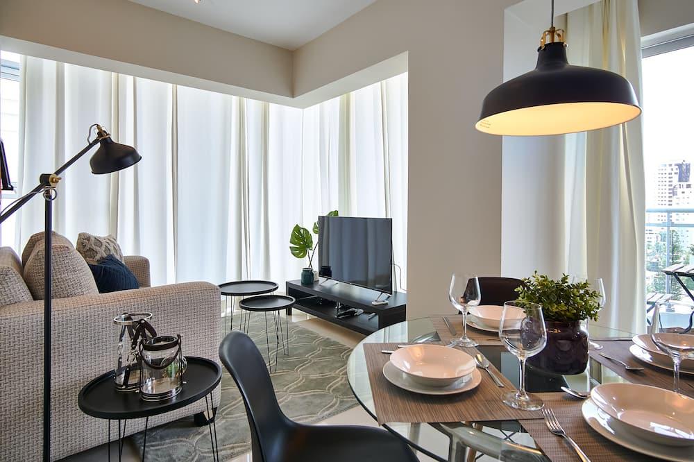 Luxus apartman, erkély, kilátással a városra - Nappali rész