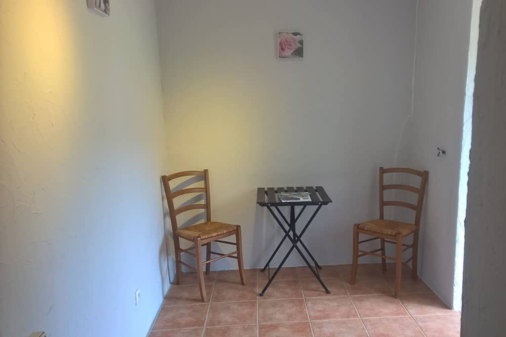 Double Room, Non Smoking (Centauré) - In-Room Dining