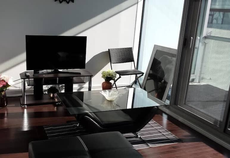 Ice condo yorkstreet, Toronto, Luxury Condo, 1 Bedroom, Non Smoking, Lake View, Living Area