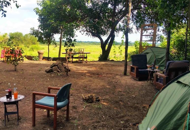 Selous Adili Forest Camp, Mloka, Gårdsplass