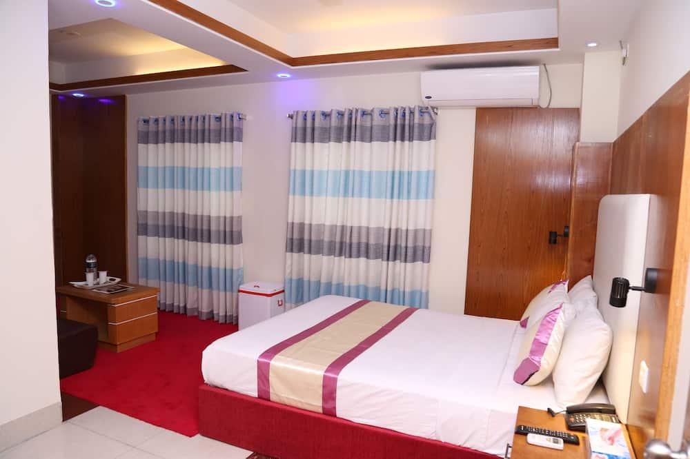 Класичний чотиримісний номер, 1 двоспальне ліжко, обладнано для інвалідів, для курців - Ванна кімната