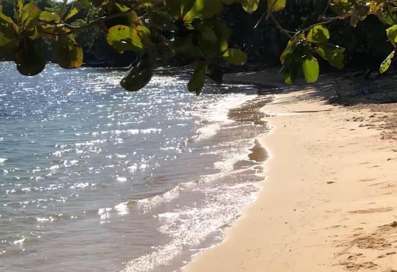 泰雅爾花園奔逃酒店, 桑迪貝, 海灘