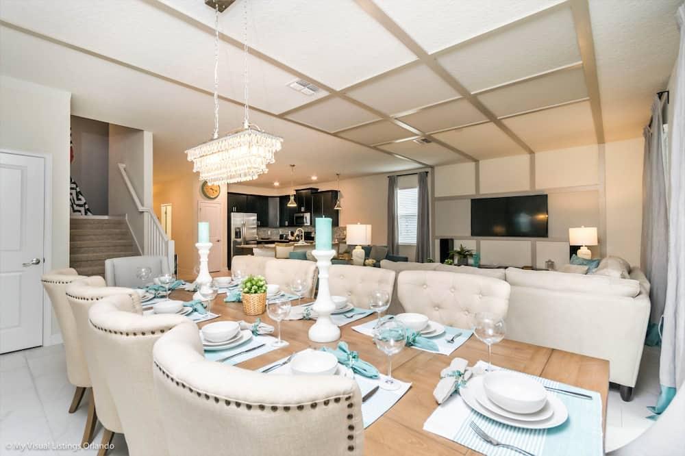 Villa, Multiple Beds - In-Room Dining